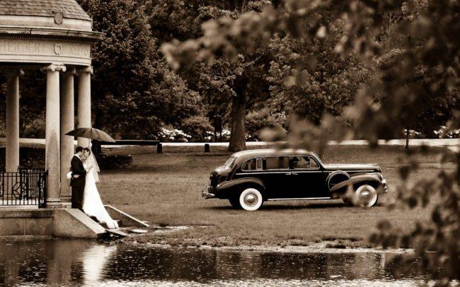 RI wedding photographers in RI Rainy wedding umbrella