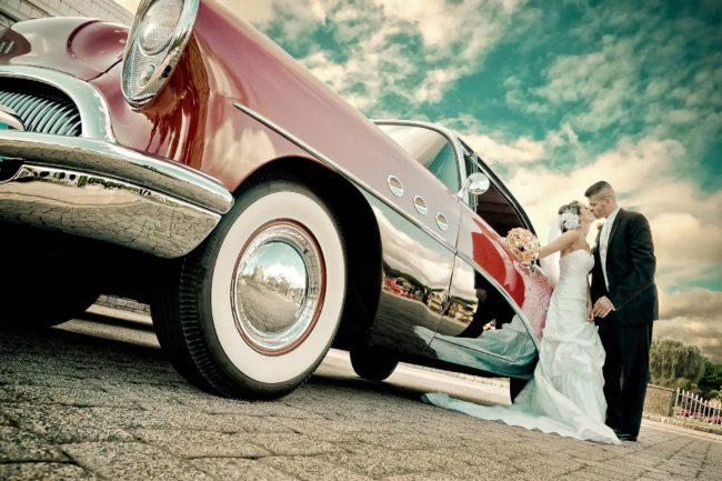 vintage car wedding at Aquaturf in Southington CT