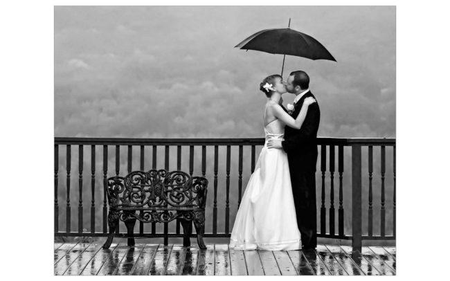 Rainy Wedding at St. Clements Castle